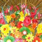 Sắp đặt hoa giấy Thanh Tiên trong Festival Huế 2010. Ảnh: Thân Minh Nhật