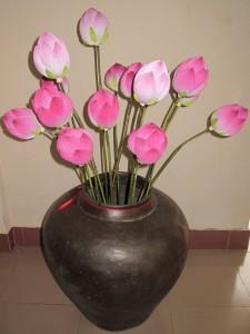 Sen hồng của họa sĩ Thân Văn Huy. Ảnh: Trần Đức Anh Sơn